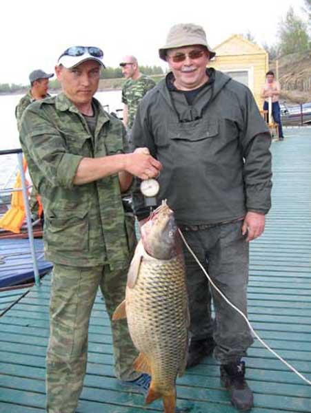 рыболовная база астраханский поплавок