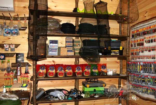 рыболовный магазин из гаража