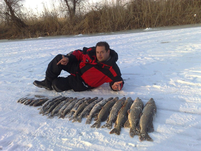 Зимняя рыбалка в Астрахани в дельте Волги, зимние температуры воздуха не подымаются